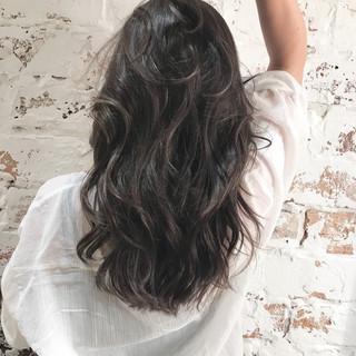ロング ハイライト ヘルシースタイル 360度どこからみても綺麗なロングヘア ヘアスタイルや髪型の写真・画像