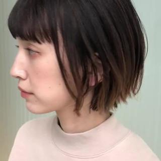 アンニュイほつれヘア バレイヤージュ 外ハネボブ グラデーションカラー ヘアスタイルや髪型の写真・画像