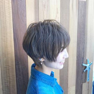 ナチュラル マッシュ ショート アッシュ ヘアスタイルや髪型の写真・画像