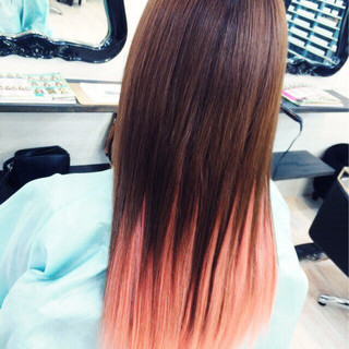 個性的 ピンク グラデーションカラー ストレート ヘアスタイルや髪型の写真・画像 ヘアスタイルや髪型の写真・画像