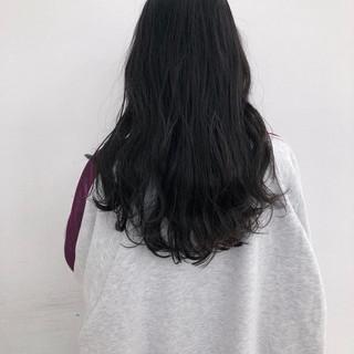 アッシュグレージュ ブルーアッシュ オフィス ブルージュ ヘアスタイルや髪型の写真・画像