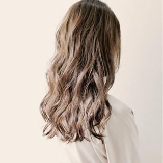 外国人風 ガーリー ウェーブ リラックス ヘアスタイルや髪型の写真・画像