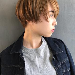 かっこいい モード アッシュベージュ ベージュ ヘアスタイルや髪型の写真・画像