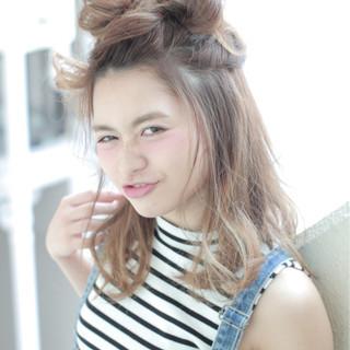 かわいい ヘアアレンジ ハーフアップ ガーリー ヘアスタイルや髪型の写真・画像