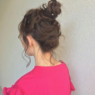 ガーリー 簡単ヘアアレンジ セミロング アウトドア ヘアスタイルや髪型の写真・画像 ヘアスタイルや髪型の写真・画像