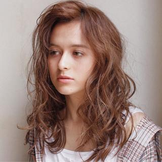 ハイライト ラフ セミロング パーマ ヘアスタイルや髪型の写真・画像