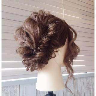 ナチュラル フィッシュボーン ヘアアレンジ 愛され ヘアスタイルや髪型の写真・画像