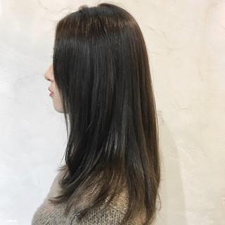 セミロング グレージュ エレガント アッシュグレイ ヘアスタイルや髪型の写真・画像