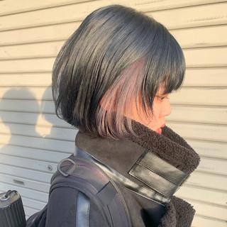 ハイトーン インナーカラー ブルージュ ナチュラル ヘアスタイルや髪型の写真・画像