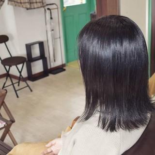 ナチュラル ミディアム グレー 透明感カラー ヘアスタイルや髪型の写真・画像