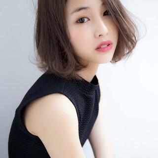 外国人風 大人かわいい ナチュラル アッシュ ヘアスタイルや髪型の写真・画像