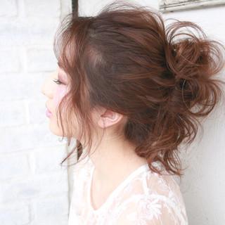 春 ロング お団子 フェミニン ヘアスタイルや髪型の写真・画像
