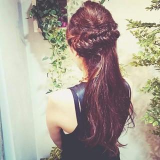 ピュア 編み込み ヘアアレンジ ロング ヘアスタイルや髪型の写真・画像