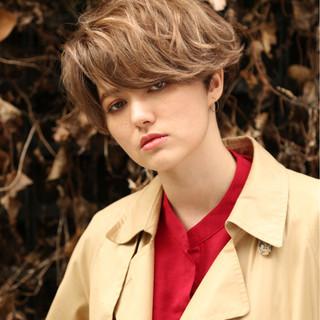 ナチュラル 外国人風 ショート パーマ ヘアスタイルや髪型の写真・画像 ヘアスタイルや髪型の写真・画像