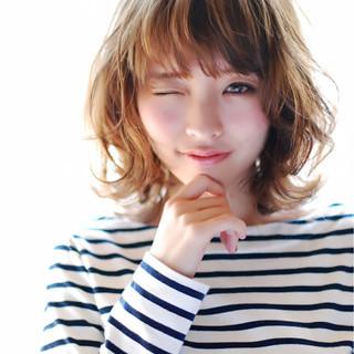 ミディアム ゆるふわ 外ハネ 大人かわいい ヘアスタイルや髪型の写真・画像