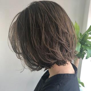 切りっぱなしボブ ボブ ベージュ ミニボブ ヘアスタイルや髪型の写真・画像