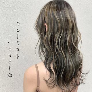 ミルクティーベージュ ハイライト グレージュ コントラストハイライト ヘアスタイルや髪型の写真・画像