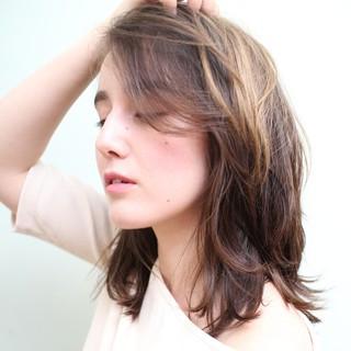 外国人風カラー ゆるふわ パーマ ミディアム ヘアスタイルや髪型の写真・画像