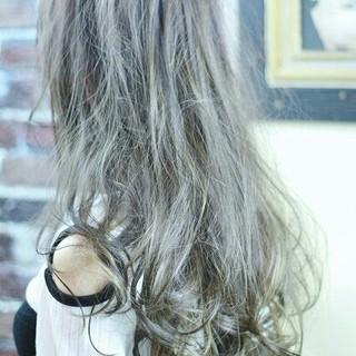 ゆるふわ グラデーションカラー ガーリー アッシュ ヘアスタイルや髪型の写真・画像