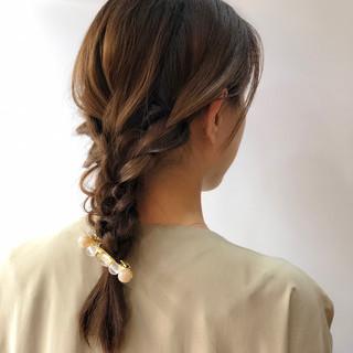 ヘアアレンジ 簡単ヘアアレンジ セミロング ベージュ ヘアスタイルや髪型の写真・画像 ヘアスタイルや髪型の写真・画像