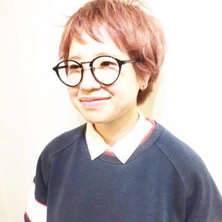 マッシュ ショート ピンク 外ハネ ヘアスタイルや髪型の写真・画像