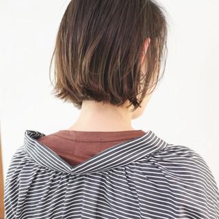 アッシュグレージュ ストリート ミニボブ ショートボブ ヘアスタイルや髪型の写真・画像