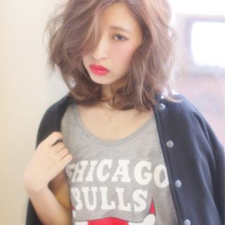 ストリート ウェーブ ゆるふわ 外国人風 ヘアスタイルや髪型の写真・画像