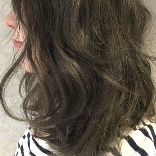 グラデーションカラー 簡単ヘアアレンジ ミディアム アッシュ ヘアスタイルや髪型の写真・画像