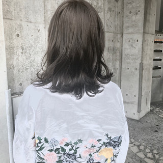モード パーマ ミディアム ウェーブ ヘアスタイルや髪型の写真・画像