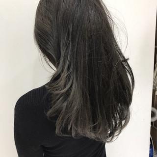 グラデーションカラー 外国人風 アッシュ セミロング ヘアスタイルや髪型の写真・画像