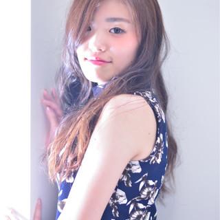 外国人風 ブラウン かき上げ前髪 前髪あり ヘアスタイルや髪型の写真・画像 ヘアスタイルや髪型の写真・画像