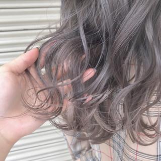 ミルクティーベージュ ラベンダーグレージュ ミルクティーグレージュ グレージュ ヘアスタイルや髪型の写真・画像