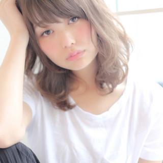 フェミニン 前髪あり 透明感 ミディアム ヘアスタイルや髪型の写真・画像