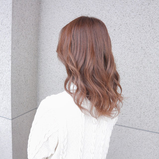 エレガント ミディアム フェミニン ピンクアッシュ ヘアスタイルや髪型の写真・画像
