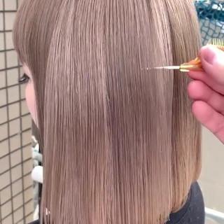 ハイトーン ハイトーンカラー ミルクティーベージュ ボブ ヘアスタイルや髪型の写真・画像