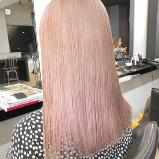ロング ブリーチ必須 ホワイトブリーチ ピンクベージュ ヘアスタイルや髪型の写真・画像