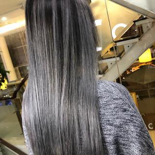 ストリート ロング グレージュ グラデーションカラー ヘアスタイルや髪型の写真・画像
