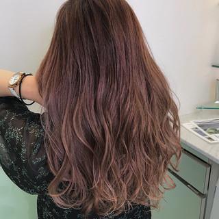 ピンク グラデーションカラー フェミニン ハイライト ヘアスタイルや髪型の写真・画像