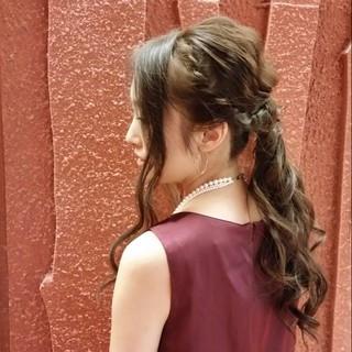 ロング イルミナカラー 大人かわいい ゆるふわ ヘアスタイルや髪型の写真・画像