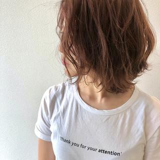 無造作ヘア アッシュベージュ アッシュブラウン ナチュラル ヘアスタイルや髪型の写真・画像