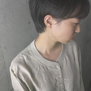アウトドア 透明感 パーマ ショート ヘアスタイルや髪型の写真・画像