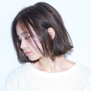 前髪パッツン 暗髪 ハイライト モード ヘアスタイルや髪型の写真・画像