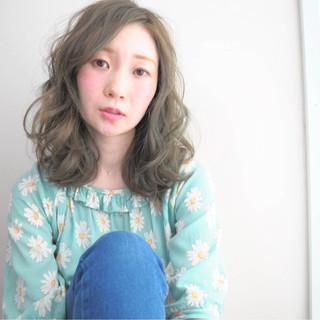 ミディアム 外国人風 ナチュラル フェミニン ヘアスタイルや髪型の写真・画像