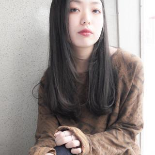 フェミニン 大人かわいい ウェットヘア 透明感 ヘアスタイルや髪型の写真・画像