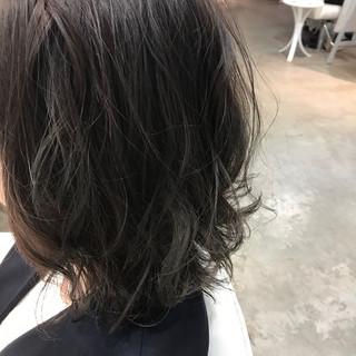 ブリーチなし アッシュグレージュ 透け感 グレージュ ヘアスタイルや髪型の写真・画像
