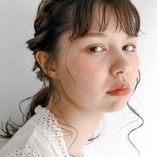 ミディアム ミルクティーベージュ シアーベージュ 簡単ヘアアレンジ ヘアスタイルや髪型の写真・画像
