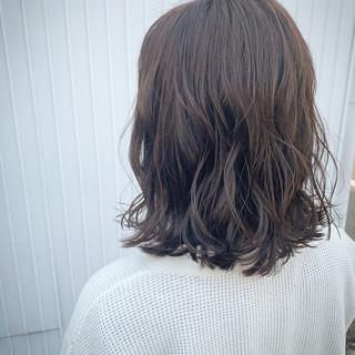 ミニボブ 切りっぱなしボブ ナチュラル ブルーアッシュ ヘアスタイルや髪型の写真・画像