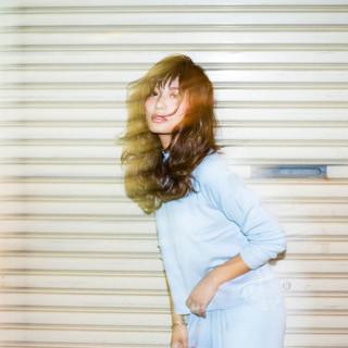 外国人風 グラデーションカラー セミロング パーマ ヘアスタイルや髪型の写真・画像