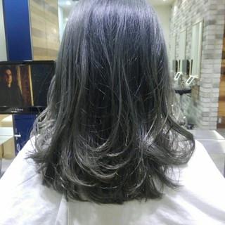 セミロング 前髪あり ナチュラル 秋 ヘアスタイルや髪型の写真・画像