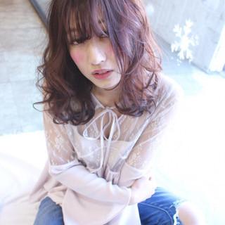 セミロング モテ髪 ピンク フェミニン ヘアスタイルや髪型の写真・画像